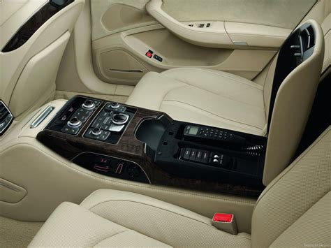 Audi A8 L Security (2012) - picture 15 of 21