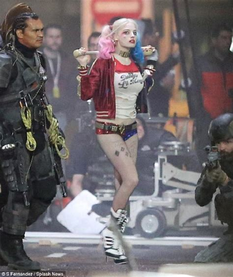 Suicide Squad set photos of Margot Robbie as Harley Quinn