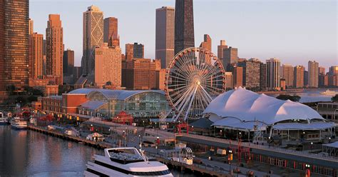 Chicago: 2-Hour Lunch Cruise on Lake Michigan - Chicago