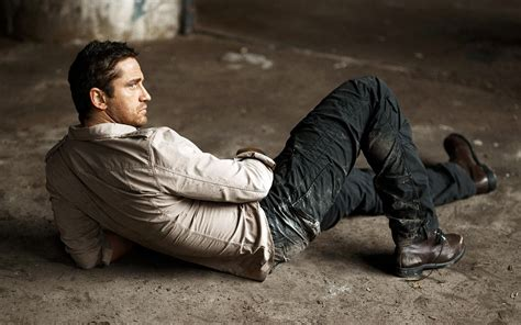 Gerard Butler Height and Weight Measurements