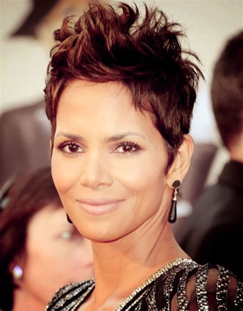 Halle Berry Pixie Cut Hairstyle For