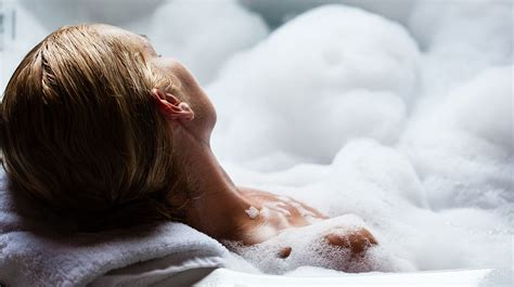 Luxury bubble bath: our complete guide   lookfantastic UK