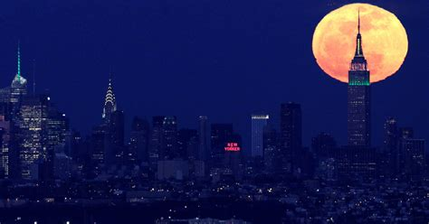 Get ready to howl: Supermoon to rise this weekend